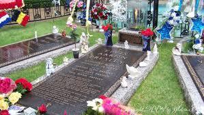 elvis tombstone